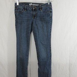 Bullhead Venice Fit Skinny Jeans Size 5